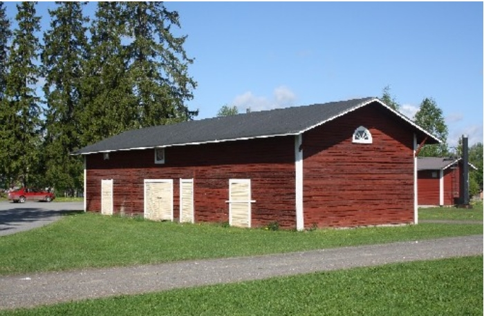 Arppen aitta sijaitsee kylätalon pihapiirissä.